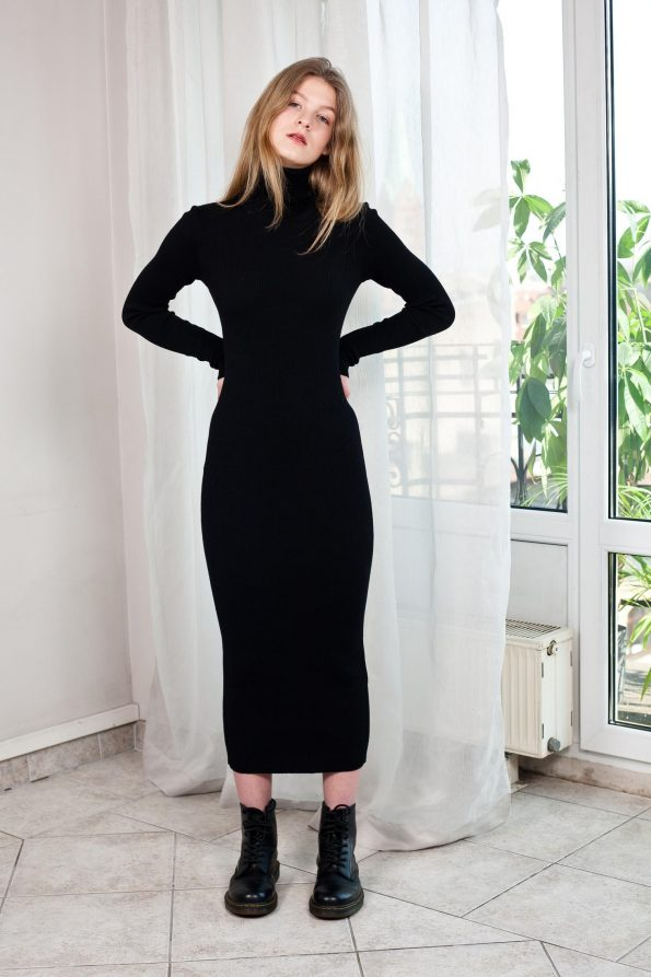 Black fitted knit dress ALICE front view