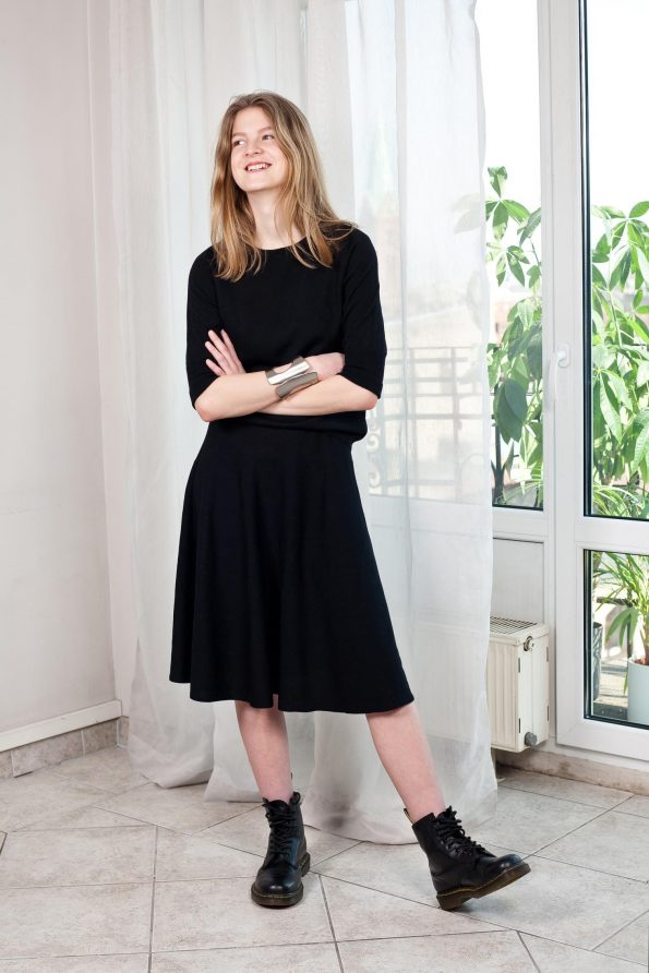 Knit top and skirt set black