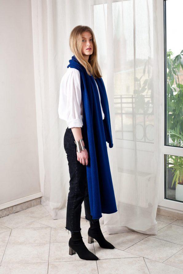 100% cashmere blue scarf travel wrap