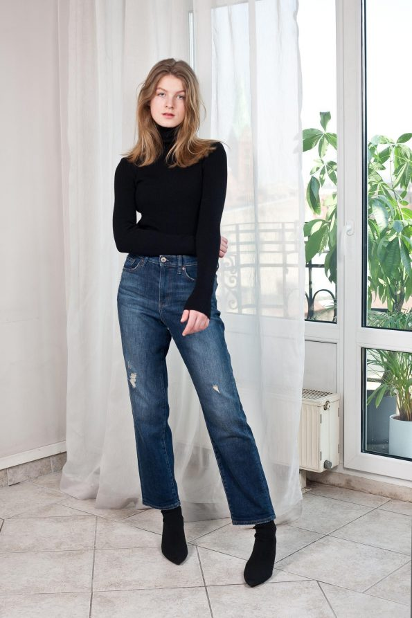 Knit womens turtleneck sweater black
